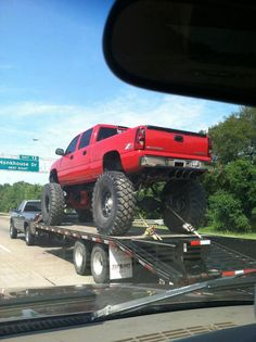 Glad to see this pic and know I'm not the only chevy truck lover who takes creeper pictures of other peoples trucks.
