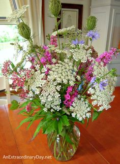 Cheap/Free wildflower bouquet: queen annes lace, chicory, and other flowers. Bunch Of Flowers, Cut Flowers, Wild Flowers, Cut Flower Garden, Flower Art, Wild Flower Arrangements, Blue And White Lamp, Country Garden Weddings, Church Flowers