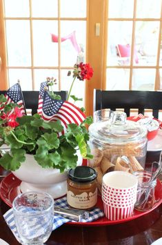 4th of July ice cream party centerpiece