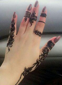 Modern Henna Designs, Henna Tattoo Designs Simple, Finger Henna Designs, Mehndi Designs For Beginners, Mehndi Designs For Girls, Mehndi Design Images, Mehndi Designs For Fingers, Henna Designs Easy, Beautiful Henna Designs