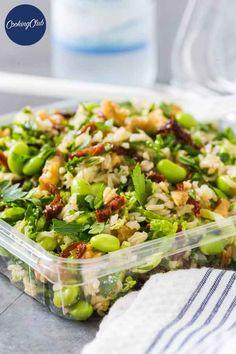 Lækker, mættende og ikke mindst antiinflammatorisk rissalat, der passer perfekt til både frokost på farten og som tilbehør til aftensmaden. Side Recipes, Veggie Recipes, Real Food Recipes, Waldorf Salat, Healthy Snacks, Healthy Recipes, Greens Recipe, Low Calorie Recipes, Fabulous Foods