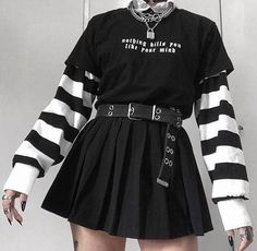 Egirl Fashion, Teen Fashion Outfits, Mode Outfits, Anime Inspired Outfits, Female Outfits, Goth Girl Outfits, Plaid Fashion, 1940s Fashion, Goth Girls