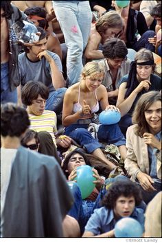 Woodstock Youth 1969 Looks like a lifetime ago . 1969 Woodstock, Woodstock Hippies, Woodstock Festival, Woodstock Music, Happy Hippie, Hippie Life, Rock Festival, Hippie Culture, Beat Generation