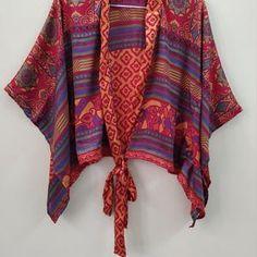 Kimono Blouse Tops Vintage Soft Tops Sleeveless Blouse | Etsy Kimono Shrug, Kimono Blouse, Boho Kimono, Kimono Fashion, Kimono Style, Wrap Blouse, Sleeveless Blouse, Boho Fashion, Bohemian Blouses