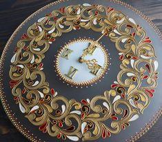 #newhobbiestotry Clock Painting, Clock Art, Sculpture Painting, Clock Decor, Wood Sculpture, Diy Clock, Sculpture Ideas, Clocks, Kerala Mural Painting