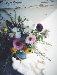 I love the beautiful flora contrasting with the peeling paint. Flower Power, My Flower, Pot Plante, Floral Photography, Beautiful Flowers, Fresh Flowers, Trees To Plant, Flower Designs, Decoration