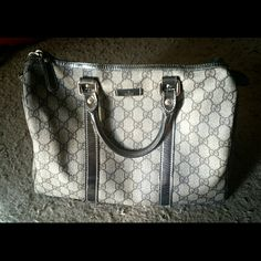 "@XMAS SALE@@100% Authentic GUCCI Joy Boston speedy Up for sale is a Gucci Joy Medium Boston Bag. In gently used condition. The only flaw is some peeling on the trimmings of the bag, mostly at the corners Handles and linings show some wrinkles, discoloration, peelings.   Features: Beige Brown GG PVC leather with silver leather trim. Light gold harware (in some light it appears silver). Double handles; 5 1/10"" drop. Size: W 8.7"" X L 12.6""   X H 6.7""  There's some damage on the trimmings of the…"