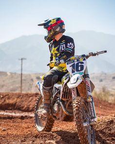 Motocross Quotes, Motocross Love, Motocross Girls, Enduro Motocross, Dirt Bike Riding Gear, Dirt Bike Racing, Dirt Biking, Ktm Dirt Bikes, Cool Dirt Bikes