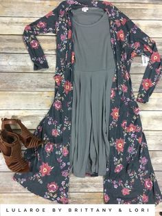 A floral LuLaRoe Sarah paired with a solid colored Nicole makes the perfect work outfit.  #lularoe #sarah #floral  https://www.facebook.com/groups/lularoebybrittanyandlori/