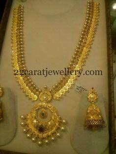 Jewellery Designs: Pearls Embellished 98 Grams Kasu Mala
