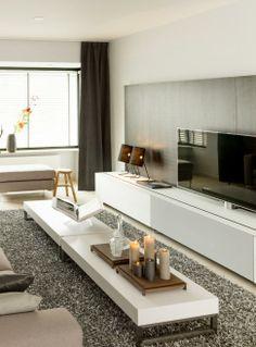 Modern livingroom. White furniture - Remy Meijers