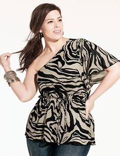 The latest looks in women's plus size clothing are just a click away at Lane Bryant. Shop trendy tops, pants, stylish dresses & more in sizes 14 to Looks Plus Size, Curvy Plus Size, Plus Size Tops, Plus Size Women, Curvy Girl Fashion, Plus Size Fashion, Womens Fashion, Fashion Black, Petite Fashion
