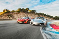 http://chicerman.com cars-news-uk: Porsche 918 Spyder vs McLaren P1: a win for Germany in Laguna Seca Motortrend has finally compared the latest hybrid hypercars: although Ferrari refused to take part to the test the McLaren P1 turned up with 903 hp and 900 Nm of torque while the 918 Spyder covers the power gap(it only has 877 hp) with 1275 Nm of torque and 4WD. Randy Pobst drove both cars in Laguna Seca: he says that on this track you really need to get power down as soon as possible thats…
