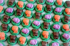 Buy online on Etsy! Delicious custom Chocolate-covered Oreos topped with handmade edible jungle animals! Great for a Jungle Birthday party dessert table or birthday party favors, treats for a Jungle Baby shower, Go Diego Go birthday, a jungle safari party, or a Forest themed party!