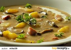 Chlebová polévka s uzeným masem a houbami recept - TopRecepty.cz Czech Recipes, What To Cook, Cheeseburger Chowder, Soup Recipes, Food And Drink, Veggies, Lunch, Treats, Cooking