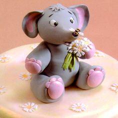 Baby elefánt készítése képekben  HV: fondant massza ételfestékek 10 db-os fondant formázó szett Vásárolj meg mindent egy helyen a GlazurShopban! http://shop.glazur.hu