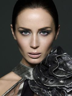 The Beauty Book For Brain Cancer - 01 - Emily Blunt Web Photo Gallery Emily Blunt, Beautiful People, Most Beautiful, Beautiful Women, The Young Victoria, Celebrity Faces, Daniela Ruah, Virtual Fashion, Woman Face