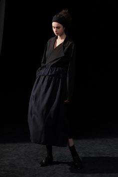 Fashion News, Fashion Beauty, Fashion Show, Womens Fashion, Vogue Paris, Japanese Fashion Designers, Total Black, Yohji Yamamoto, Mannequins
