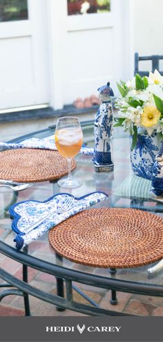 Lookind for inspiration for your summer table setting? Look no further with Heidi Carey´s Blue Floral Scalloped Napking and Placemat Set. Beautiful and Elegant Table Setting Inspiration for Summer outdoors with Heidi Carey's placemats and napkins. Hand Printed Fabric, Printing On Fabric, Printed Cotton, Napkins Set, Cotton Napkins, Elegant Table Settings, Table Setting Inspiration, Table Accessories, Placemat Sets