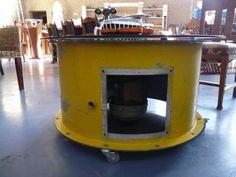 Industriële Tafel met glasplaat op wielen / Ventilator EMF Dort Breda 380Volt. Krijg een unieke kijk op deze Ventilator / Salontafel  ÚS Sporthal Skrok 31A, 8918 LA Leeuwarden Tel: 06-27282790 Mail: us@hartdevries.nl