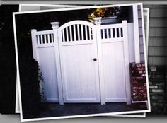 white vinyl fences with a gate Backyard Gates, Garden Gates And Fencing, Porch Gate, Fence Gate, House Gate Design, Fence Design, White Vinyl Fence, White Fence, Vinyl Gates