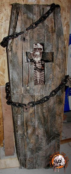 Toe pincher Coffin made from old pallets .  http://www.halloweenforum.com/members/theundeadofnight-albums.html