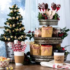 We gave some of our trendiest galvanized pieces a holly-jolly update with season We gave some of our trendiest galvanized pieces a holly-jolly update with seasonal faux foliage and all the makings for the perfect hot chocolate bar! Source by HobbyLobby Christmas Kitchen, Christmas Goodies, Rustic Christmas, All Things Christmas, Christmas Fun, Xmas, Christmas Desserts, Choclate Bar, Hot Chocolate Bars