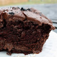 Hershey's Perfectly Chocolate Cake- This is the BEST chocolate cake recipe! Because sometimes you just NEED a chocolate cake Hershey Chocolate Cakes, Chocolate Desserts, Decadent Chocolate, Hershey Cake, Chocolate Chocolate, Chocolate Frosting, Macarons Chocolate, Chocolate Pavlova, Fudge Frosting