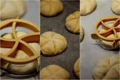 U nás na kopečku: Domácí housky ... Bread, Cookies, Food, Crack Crackers, Brot, Biscuits, Essen, Baking, Meals