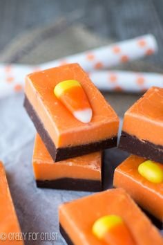 Orange and Black fudge, perfect for Halloweeen! crazyforcrust.com