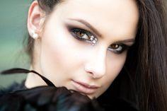 Makeup by Franziska Lerch, Professional Make-up School, ph Franco Taranto School Makeup, Septum Ring, Ph, Glow, Make Up, Rings, Jewelry, Jewlery, Bijoux