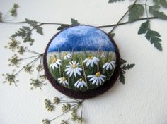 Needle felted brooch Сhamomile,Needle felted brooch with embroidery,Wool felt brooch, Flower brooch,Gift ideas,For her,felted landscapes