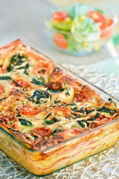 This super veggie lasagna takes only minutes to prepare and is family favorite. It is a healthy lasagna, packed with vegetables and lacking much of the saturated fat and sodium found in traditional lasagnas. Veggie Dishes, Vegetable Recipes, Veggie Lasagna, Meatless Lasagna, Healthy Vegetable Lasagna, Vegetable Lasagne, Veggie Pizza, Veggie Meals, Veggie Food