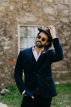 """If you love all things vintage, then you're going to want to run, not walk to check out this """"Old-World-Meets-New"""" inspired styled shoot! Italian Renaissance, Renaissance Wedding, Groom Attire, Groom And Groomsmen, Modern Vintage Weddings, Modern Groom, Historic New England, Velvet Suit, Stylish Suit"""