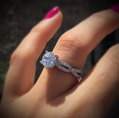 Halo or No Halo Engagement Ring? That's The Question - Designers & Diamonds