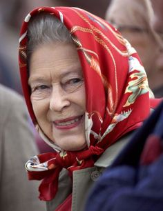 Good morning all 🙂 . Elizabeth was born in London as the first child of the Duke & Duchess of York, later King George VI & Queen… Hm The Queen, Royal Queen, Her Majesty The Queen, Save The Queen, Santa Lucia, Queen Hat, Duchess Of York, Isabel Ii, Royal Families