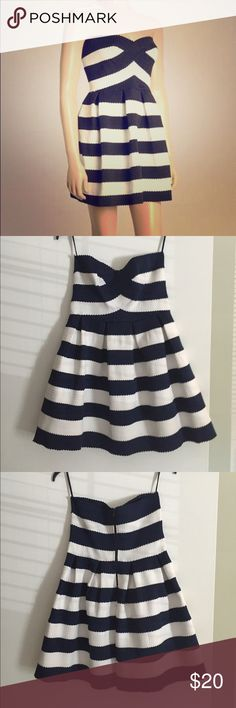 White and blue striped boat dress Super cute strapless dress! Worn once Sans Souci Dresses Strapless