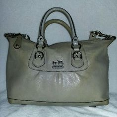 Leather Coach Handbag Very good condition. Nice bag priced low. Coach Bags Satchels