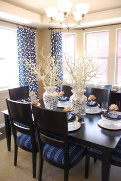 Tan walls with navy accents for our future dining room. Tan Dining Rooms, Beautiful Dining Rooms, Dining Room Design, Living Room, Tan Walls, Blue Home Decor, Dining Room Inspiration, Parade Of Homes, Room Decor