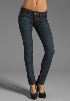 TRUE RELIGION Stella Skinny in Tim Luckdraw - perfect skinny jean