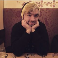 JACKSEPTICEYE IS THE CUTEST THING EVER!!!! I CANT EVEN!!!!AAAAAAA!!!
