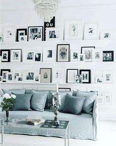 Now that's what I call a gallery wall on shelves!