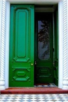 kelly green door by flossie
