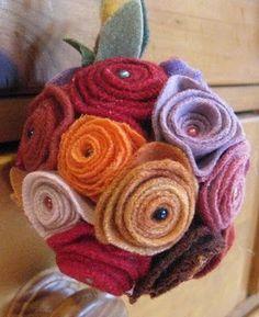 wool pomander http://3.bp.blogspot.com/_aZ4jL9N4m5M/Sz5MR7ZraAI/AAAAAAAAJoA/qfnu-9ghUnk/s400/cactus%2Bpincushions%2Band%2Bwool%2Bpomander%2B017.JPG