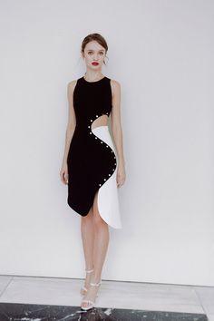 Mugler x Luisaviaroma Classy Outfits, Chic Outfits, Pretty Dresses, Beautiful Dresses, Geometric Fashion, Fantasy Dress, Event Dresses, Colorblock Dress, Elegant Outfit