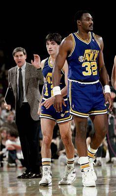 Coach Jerry Sloan, John Stockton and Karl Malone. Miss the shorts! Basketball Jones, Jazz Basketball, Basketball Legends, Basketball Players, Nba Pictures, Basketball Pictures, American Athletes, American Sports, Nba Stars