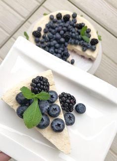 Pohjaton juustokakku | La Vida Fresca blogi Fresco, Delicious Desserts, Blueberry, Cereal, Fruit, Breakfast, Food, Life, Morning Coffee