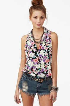 i wish i could pull this off-maybe not the floral but same idea