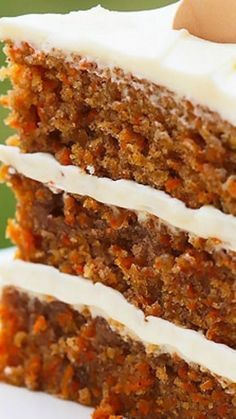 I love carrot cake! - KB Incredible Carrot Cake with Cream Cheese Frosting ~ Simply classic, good old fashioned Carrot Cake. With luscious swoops of super creamy, perfectly sweet, (and stable) Cream Cheese Frosting, this cake is pretty much perfection Just Desserts, Delicious Desserts, Dessert Recipes, Yummy Food, Carrot Cake Recipes, Dinner Recipes, Classic Carrot Cake Recipe, 3 Layer Carrot Cake Recipe, Carrot Cake Recipe With Coconut