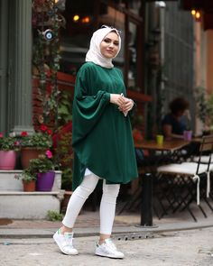 Modest Fashion Hijab, Modern Hijab Fashion, Muslim Women Fashion, Street Hijab Fashion, Pakistani Fashion Casual, Pakistani Dresses Casual, Hijab Fashion Inspiration, Islamic Fashion, Fashion Outfits